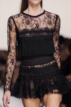 +++ Elie Saab +Spring / Summer 2014 + PFW + RTW +++ @ElieSaabWorld @ElieSaabCouture #ElieSaab #Lebanese  #embellished #ChiffonGown #JewelColors #SkinnyBelt #OscarGowns #sequins #RedCarpet #PoppyPrint #romanticism #botanical #glam #lace #fashion #moda #verano2014 #fashionweek #Paris #pfw #ss2014 #spring2014 #rtw #summer2014 #primavera2014 #runway @ISAZAalejandro