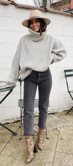 winter outfits cold \ winter outfits _ winter outfits cold _ winter outfits casual _ winter outfits for work _ winter outfits for school _ winter outfits dressy _ winter outfits for going out _ winter outfits men Winter Outfits 2019, Casual Winter Outfits, Winter Fashion Outfits, Look Fashion, Autumn Winter Fashion, Winter Style, Fashion Clothes, Winter Chic, Fall Fashion