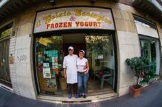 Verde Polenta ha intervistato Daniele Cuomo, proprietario de Il Gelato Ecologico e Frozen Yogurt, una delle primissime gelaterie naturali nate a Milano:  http://verdepolenta.altervista.org/il-gelato-ecologico-frozen-yogurt-daniele-e-il-paradosso-della-coscia-pollo/