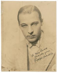 Rudolph Valentino Collectibles: Autographed Photo of Rudolph Valentino Old Hollywood Stars, Vintage Hollywood, Classic Hollywood, Valentino Tango, Valentino Gowns, Rudolph Valentino, List Of Actors, Female Poets, Silent Film Stars