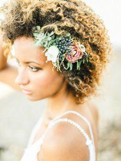 stunning wedding hairstyle adornment