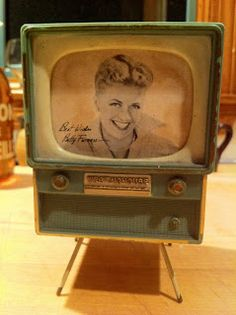 Lost & Found ~ Marblehead, MA: Small 1960's Doll House TV. SOLD! Mini Tv, Tv Sets, Victorian Women, Box Tv, Tv On The Radio, Lost & Found, Dollhouse Furniture, Tvs, 1960s