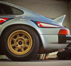 Porsche 911 Carrera Martini Group IV wheels