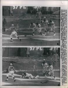 1956 Press Photo Chicago Bears vs NY Giants at pro championship in Yankee Stadium Baseball Pictures, Chicago Photos, Yankee Stadium, Press Photo, Chicago Bears, Nyc, Football, Sports, Hs Sports