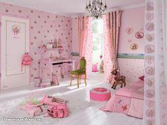 Какие обои лучше выбрать в детскую комнату?  Все родители хотят, чтобы в детской комнате была уютная, комфортная атмосфера, радующая малыша. Желательна гармония в сочетании дизайна мебели, штор в детской, рисунка на обоях и даже постельного белья. Немаловажным фактором в дизайне детской комнаты являются обои. Их качество, цвет, рисунок влияют на здоровье ребенка и на эстетическое восприятие комнаты в целом.  Делая выбор в многообразном ассортименте предлагаемых обоев, следует учесть…