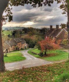 Oxfordshire, where a tragedy strikes the lives of the Enfield family.  Winderton Village in Oxfordshire - #Oxfordshire #Village #Winderton Places To Travel, Places To See, Places Around The World, Around The Worlds, Beautiful World, Beautiful Places, Castles In England, English Village, British Countryside