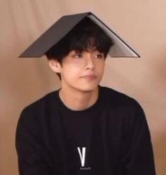 Bts Meme Faces, Funny Faces, Foto Bts, Bts Photo, Seokjin, Kpop, V Bts Wallpaper, Bts Aesthetic Pictures, Korean Boy