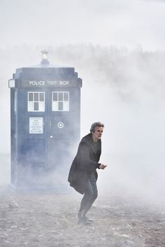 Life, Doctor Who & Combom: New The Magician's Apprentice Promotional Pictures Released