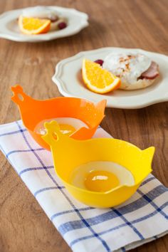 Hen & Chick Egg Poachers: Rise and shine. Poach eggs easily -- and adorably!