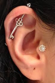 bvla tragus flower. So cute if I had this piercing