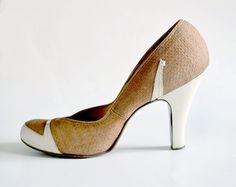LOVE these vintage 1940s Spectator Pumps! Women's vintage footwear heels shoes