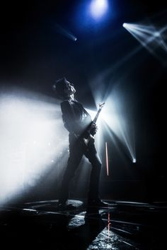 http://muse.mu/images,uk-psycho-tour-march-2015_179.htm?photo=4349