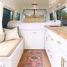 21 Idea for Simple Camper Makeover - Outdoordecorsm Van Conversion Interior, Camper Van Conversion Diy, Auto Camping, Van Camping, Van Living, Tiny House Living, Deco Design, Küchen Design, Kombi Motorhome