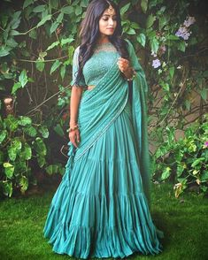 65 Stylish and Trendy Blouse Designs For Saree and Lehenga Blouse Back Neck Designs, Fancy Blouse Designs, Stylish Dress Designs, Half Saree Designs, Lehenga Designs, Choli Designs, Lehnga Dress, Lehenga Blouse, Indian Wedding Outfits