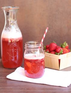 Strawberry Sangria with Sauvignon Blanc or Pino Grigio and strawberries is a refreshing drink. Learn how to make this easy sangria recipe in 10 minutes! Strawberry Drink Recipes, Strawberry Sangria, Easy Drink Recipes, Sangria Recipes, Cocktail Recipes, Cooking Recipes, Cocktail Drinks, Fruity Drinks, Refreshing Drinks