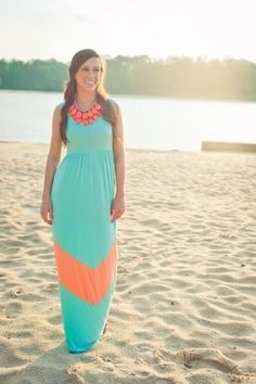 Love the colors...wonder if I can pull off a maxi dress