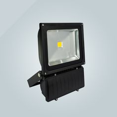 Cost-effective LED flood light CL1 focus on landscape lighting and outdoor billboard and stadium lighting.