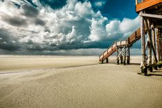 North Sea, Sankt Peter-Ording by hessbeck-fotografix on DeviantArt North Sea, Great Pictures, Beach Themes, Golden Gate Bridge, Wonders Of The World, Places To Go, Beautiful Places, Germany, Ocean