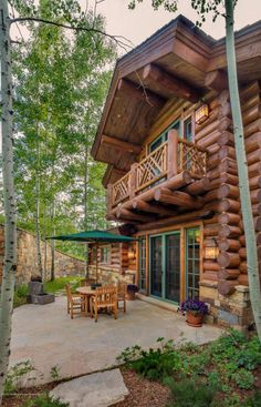 Dream House: Aspen Rustic Log Lodge (37 Photos) If you're in the market for a Winter getaway with more than enough room for the entire family then this spacious lodge-style residence in Aspen migh...