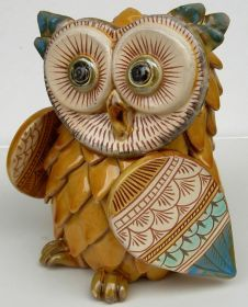 Honey Barn-Owl Entirely handmade, modelled, caged, etched and coloured with ceramic Varnishes on Effects and ceramic Varnishes. It was created following the ancient Technics of the traditional Ceramic from Grottaglie and enriched with new ornamental Expressions. #madeinialy #artigianato #ceramica #ceramic #oggettistica #craftobject
