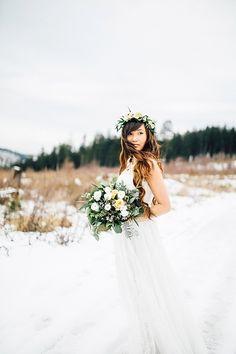 #winterhochzeit #winterwedding Winterhochzeit im Harz mit Boho Flair | Hochzeitsblog - The Little Wedding Corner