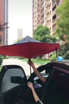 Check out our Original Double Layer Reverse Umbrellas! We absolutely LOVE these reverse umbrellas! They're super easy to open and close, even in confined spaces, unlike traditional umbrellas. The double layer of fabric ensures waterproofing, durability and resistance to wind. There is minimal dripping after closure because the remaining rain water is folded up inside, allowing you to flip it over instead of letting it drip! Currently 50% OFF with FREE Shipping!