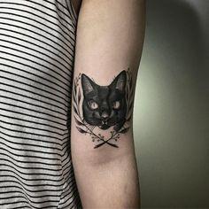 Kuvahaun tulos haulle two headed cat tattoo