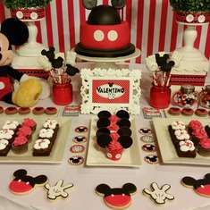 First Party Valentino Mickey Mouse - Mickey Mouse