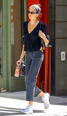 Kaia Gerber jeans Outfits street style 11 Amazing Fall Jeans and the Celebs Who Would Buy Them Street Style Outfits, Best Casual Outfits, Komplette Outfits, Fall Outfits, Fashion Outfits, Celebrity Casual Outfits, Fashion Trends, Model Street Style, Fashion Ideas