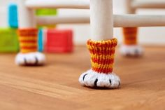 Free Knitting Pattern for Chair Paws - Chair socks to protect floors and furniture legs are inspired by our feline friends. Designed by Nicola Valiji. FIND A CROCHET PATTERN! Knitting Patterns Free, Knit Patterns, Free Knitting, Free Pattern, Cat Pattern, Beginner Knitting, Sock Knitting, Knitting Projects, Crochet Projects