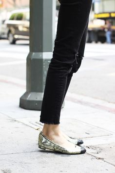 anine bing outfit sweatshirt jeans