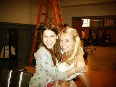 """Kimberley Crossman (right - New Zealand Actress) with Eden Sher (left - from USA). Kim posted on Facebook """"#tbt to filming with Eden on set of The Middle"""".  https://www.facebook.com/KimCrossman24/photos/a.10152287787513976.1073741826.46993093975/10153104916623976/?type=1"""