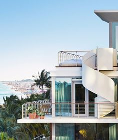 Miami is a hotel heaven. We cannot tell one single favorite. However, Miami Design Agenda wants to present you a list of those we believe that are the Miami' South Florida, South Beach, Miami Beach Edition, Weekend In Miami, Miami Vice, Romantic Beach Getaways, Miami Beach Hotels, Florida Hotels, Arquitetura