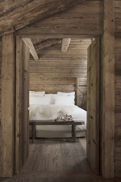 The chalet can be rented in its entirety or you can rent one of the three rooms independently. The suite is perfect for family. Interior Exterior, Interior Architecture, Interior Design, Grand Chalet, Alpine Chalet, French Interior, Cabins In The Woods, Rustic Elegance, Log Homes