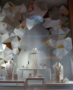www.retailstorewindows.com: Chanel, Dubai