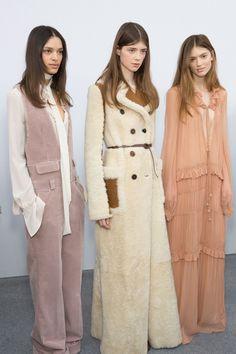 201 backstage photos of Chloé at Paris Fashion Week Fall 2015 | Stylebistro.com