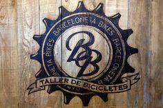 diseño grafico barcelona, identidad corporativa para tienda barcelona, logo tienda de bicicletas