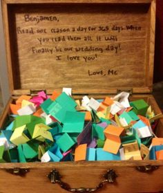 So sweet: the bride wrote 365 love messages and asked her fiance to read them one day ahead of their wedding day.
