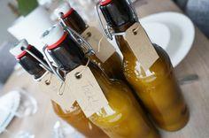 Här kommer ett recept på världens godaste citronlikör – hemmagjord Limoncreama! Det är en krämigare variant av Limoncello och det är därför den kallas Limoncreama. Och vad består krämet av då? Här kommer hemligheten – mjölk!