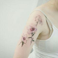 Bellissimo tatuaggio di fiori...