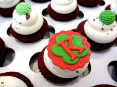 Cupcakes with initial.