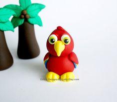 Parrot Cupcake Topper / Cake Topper  por EdibleDesignsByLetty, $9.00