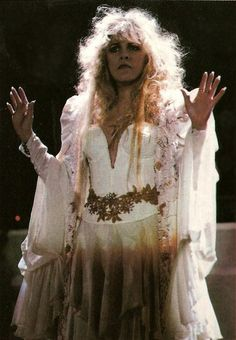 1989 - I so love this picture of Stevie Nicks
