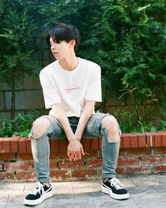 Why so cool?? Bandy, Produce 101, Ulzzang, Inspired, Poses, Jin Young, Photography, Chinos, Idol