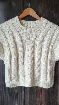 Knit Vest Pattern, Knit Patterns, Easy Sweater Knitting Patterns, Free Knitting Patterns For Women, Hand Knitted Sweaters, Knitting Sweaters, Knitted Bags, Baby Knitting, Knit Fashion
