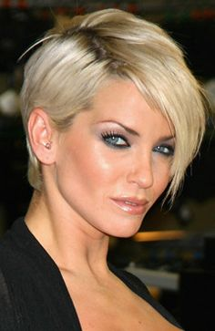 2009 Short hairstyle from Sarah Harding