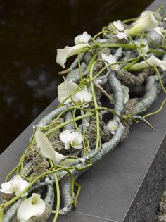 Valentijn Sneek- stunning tangled flower arrangement!