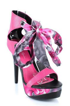 Roses are red, violets are blue, I would so rock these super cute shoes