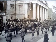 via  The remains of Michael Collins move south on Marlborough street, leaving the Pro-Cathedral in 1922 Best Darts, Easter Rising, Michael Collins, Free State, Dublin City, Dublin Ireland, Old Pictures, Cathedral, Irish