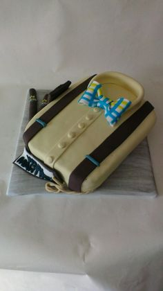 Torta Camisa hombre Fondant, Sunglasses Case, Shirt Cake, Food Cakes, Cooking, Gum Paste, Candy